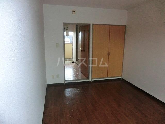 マンションヴィクトリーⅡ 303号室のベッドルーム