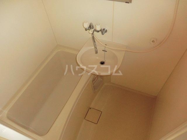 マンションヴィクトリーⅡ 303号室の風呂