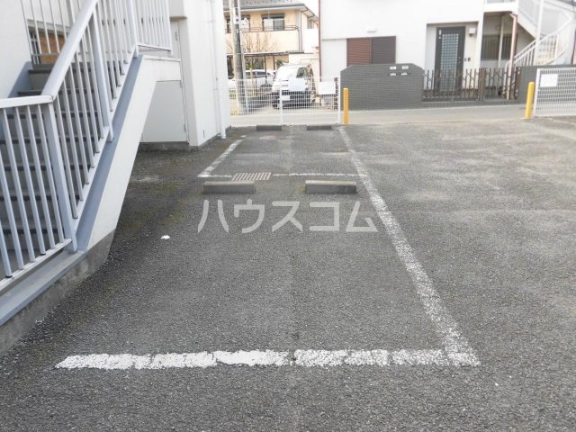 南住吉ハイツ 00307号室の駐車場