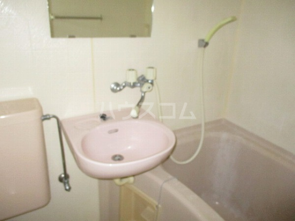 グランドビュー大池 105号室の洗面所