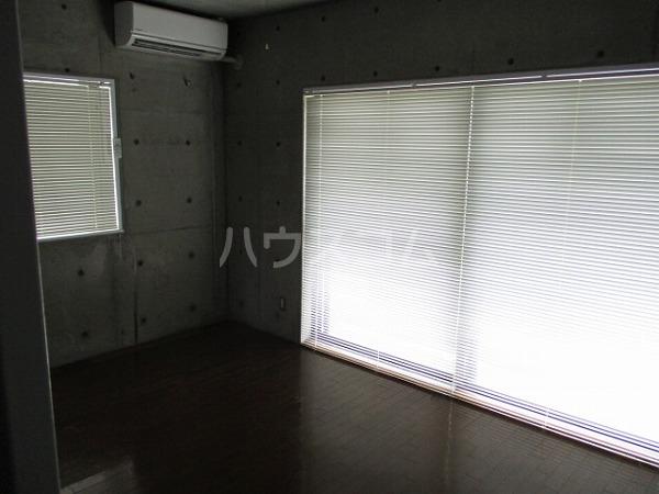 グランドビュー大池 201号室のリビング