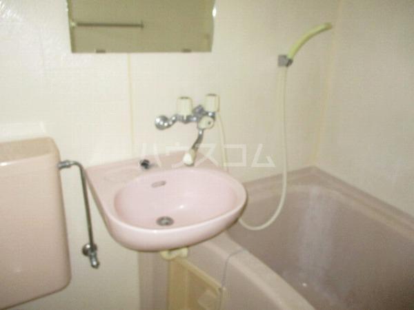 グランドビュー大池 201号室の洗面所