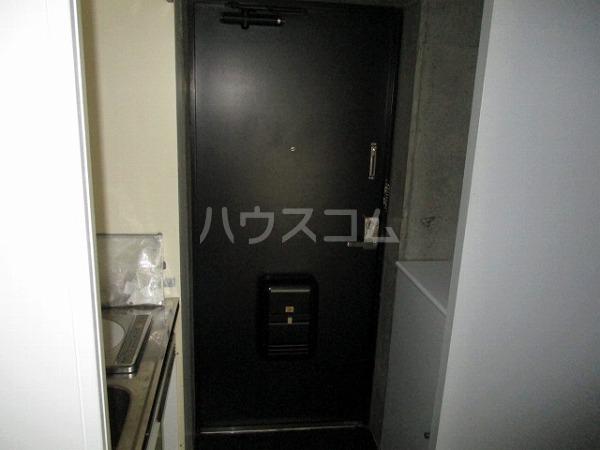 グランドビュー大池 201号室の玄関