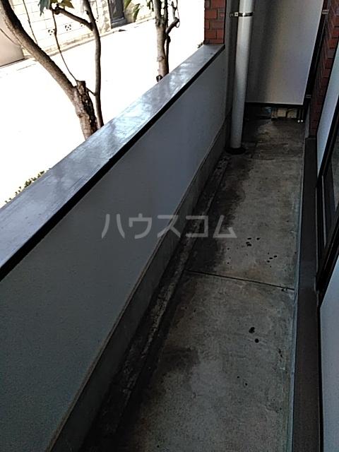 学校裏八幡マンション 106号室のバルコニー