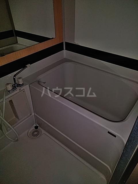 学校裏八幡マンション 106号室の風呂
