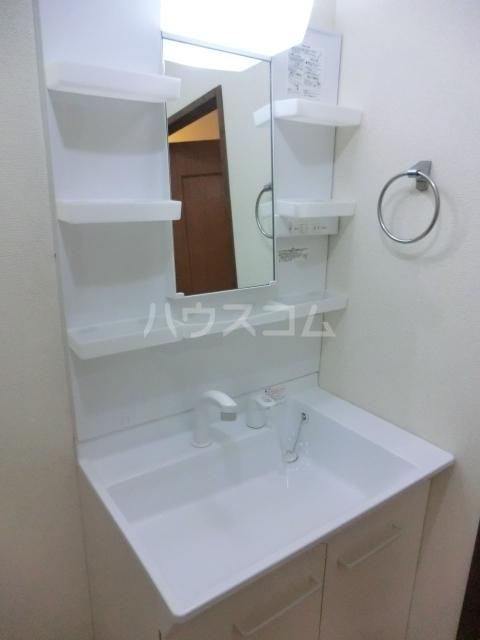 ティエスビル 00202号室の洗面所