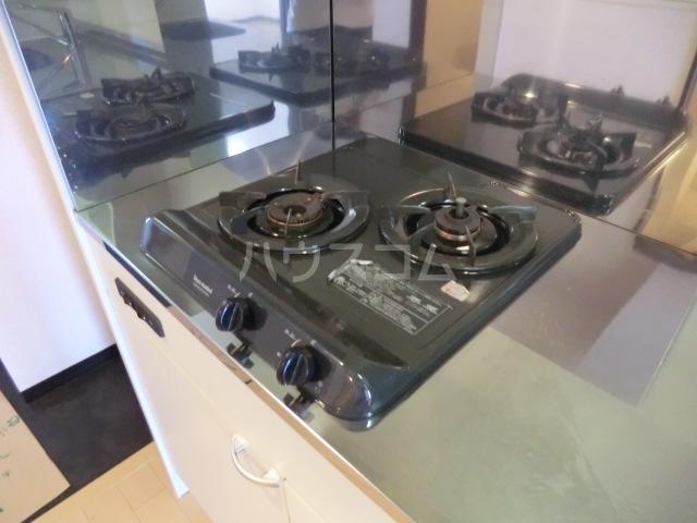 ピースプレイス牛巻 703号室のキッチン