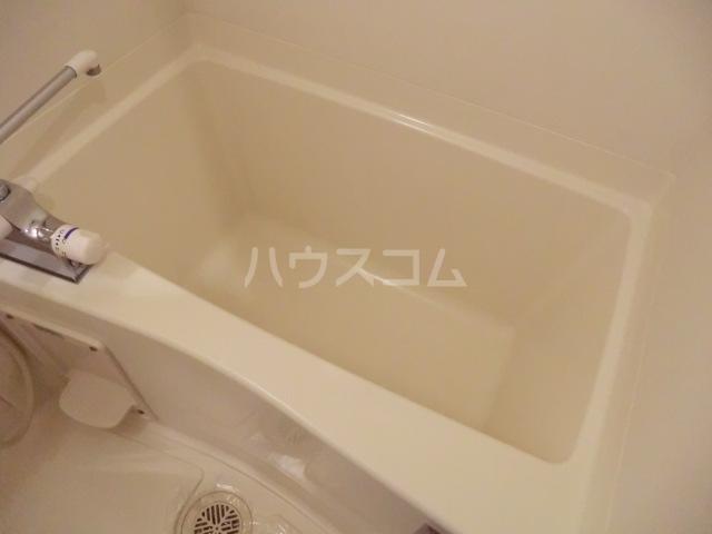 ピースプレイス牛巻 703号室の風呂