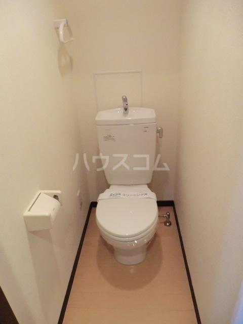 ピースプレイス牛巻 703号室のトイレ