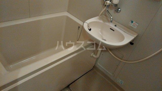 カサブランカ二村台 101号室の風呂