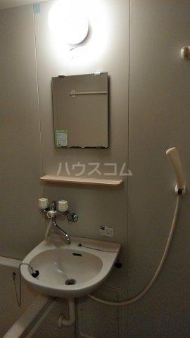 カサブランカ二村台 101号室の洗面所