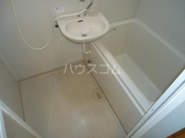 カサブランカ二村台 403号室の風呂