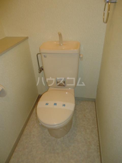 カサブランカ二村台 403号室のトイレ