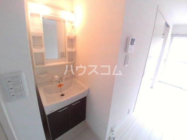 コーポ三陽B棟 203号室の洗面所