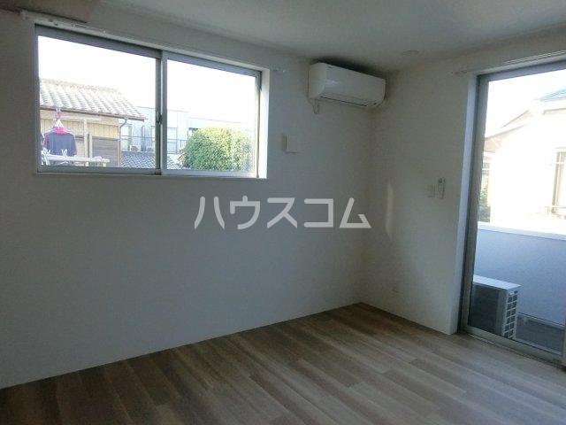 Ⅰ Rashiku 中山 201号室のリビング