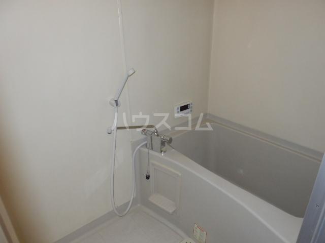 ビーラインえぐち 203号室の風呂
