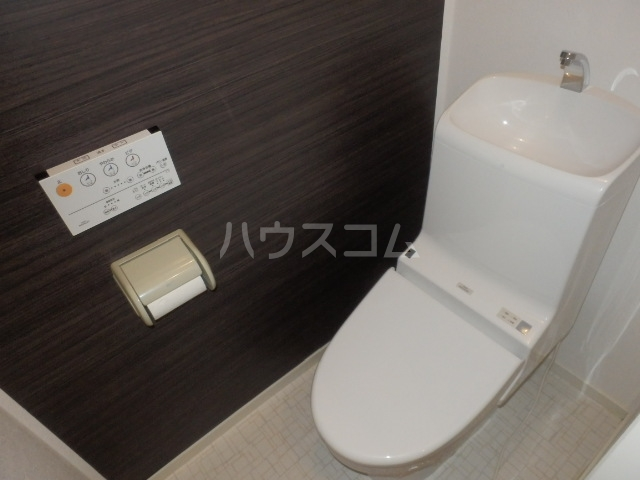 ビーラインえぐち 203号室のトイレ
