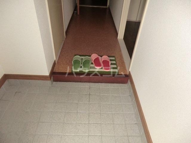 Surplus遊 105号室の玄関
