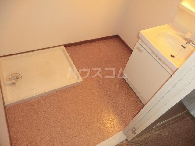 Surplus遊 105号室の洗面所