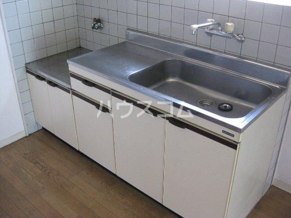 コーポ愛Ⅱ 1B号室のキッチン