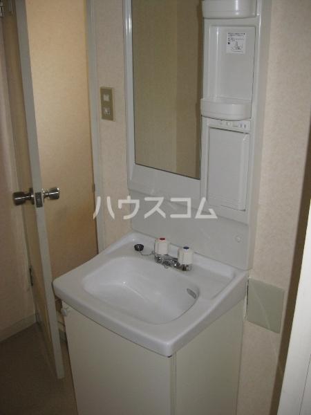 コーポ愛Ⅱ 1B号室の洗面所