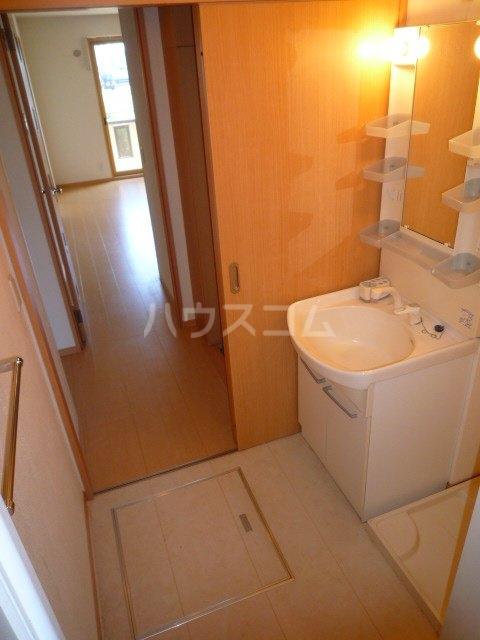 サンティール幸和 102号室の洗面所
