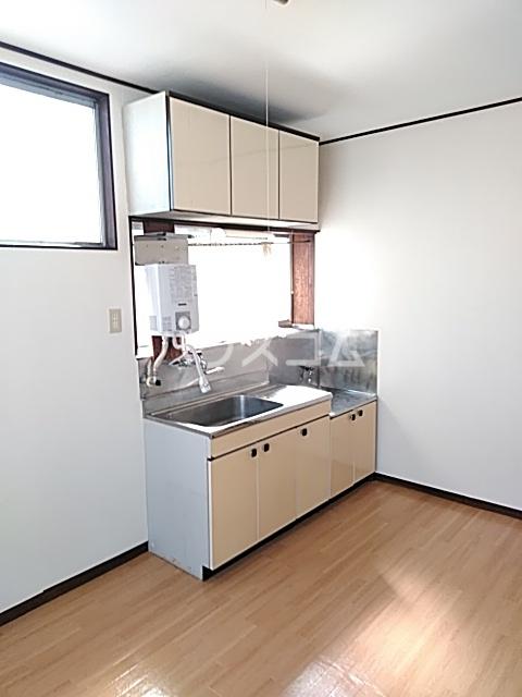 難波ハイツ 2F号室のキッチン
