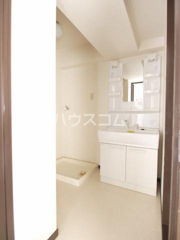 スカイヒルズ植田 601号室の洗面所