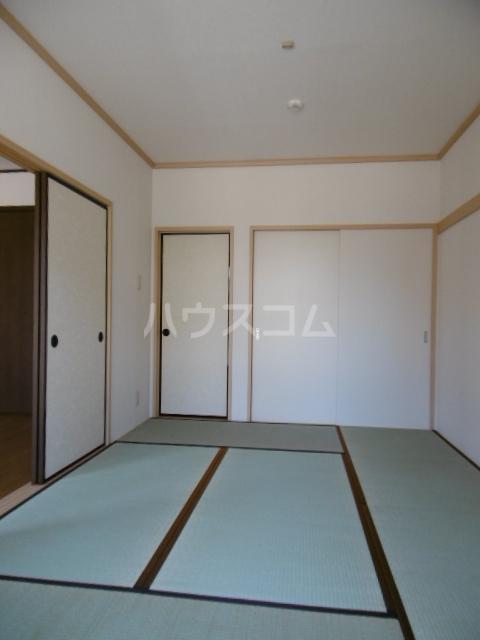 クラップコティ 203号室の居室