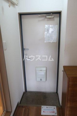 エトワールシミズⅠ 305号室の玄関