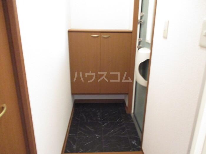 オリーブ A202号室の玄関