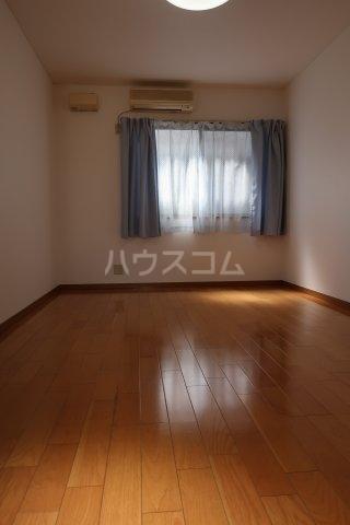 アクセスコートⅥ 2E号室のリビング