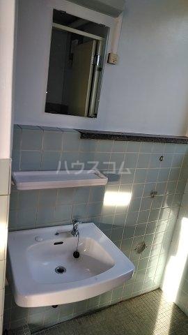 第1山本ビル 4F号室の洗面所
