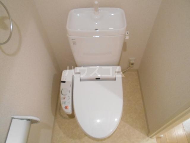 グランディール八事石坂 405号室のトイレ