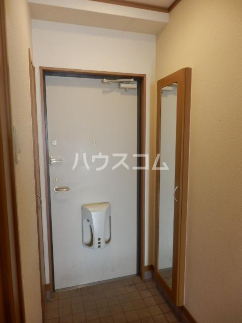 エクセルメゾン諸ノ木 2A号室の玄関