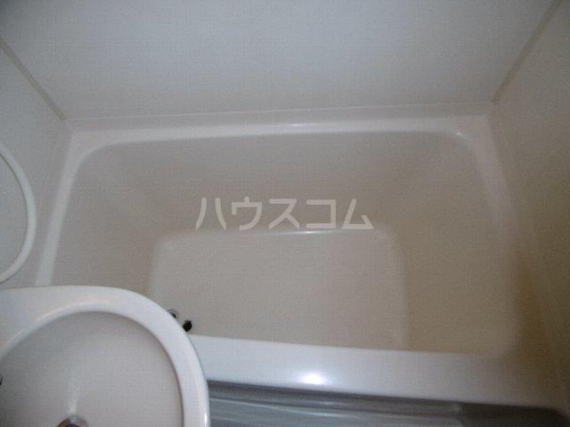 ドーム桜山 2H号室の風呂