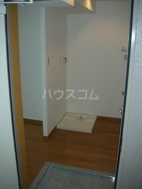 ラグジュアリーガーデン東松戸 508号室の玄関