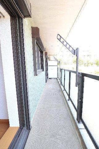 メープルヒルズ・ハイブリッジ 101号室のバルコニー
