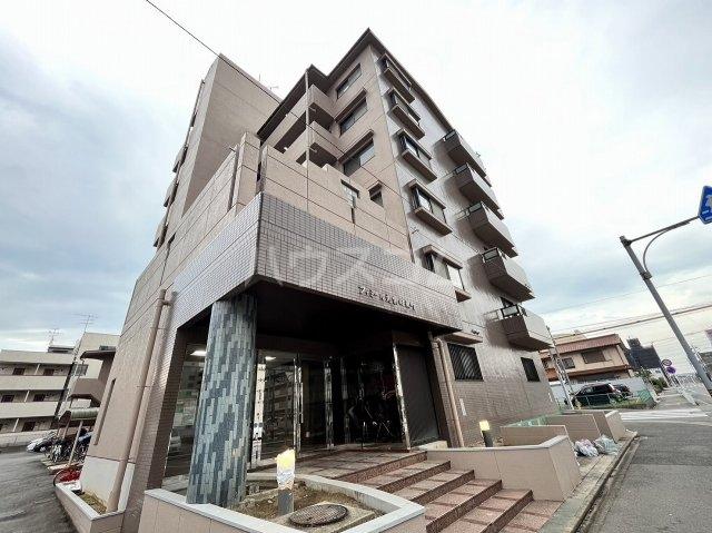ファミール元柴田東町の外観