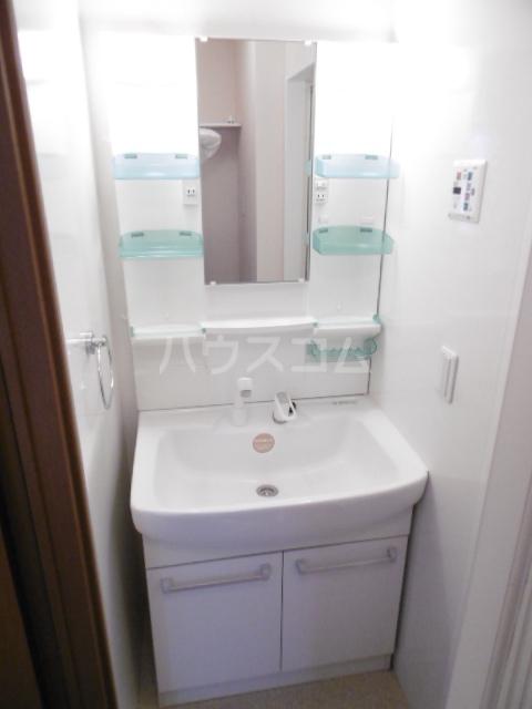 アプローズ馬橋 103号室の洗面所