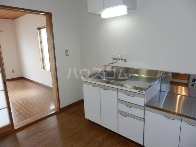 コーポすずき A 102号室のキッチン