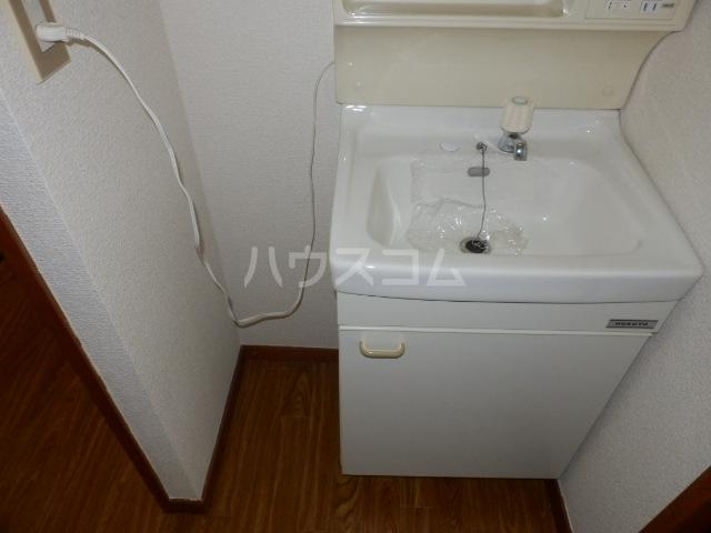 コーポすずき A 102号室の洗面所