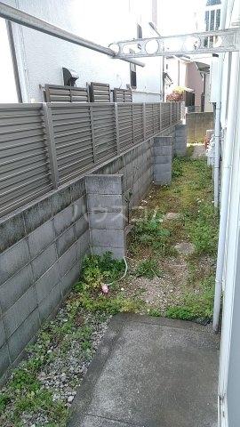 プライムハイツ 102号室の庭