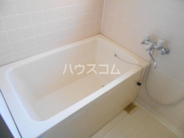 松栄マンション 101号室の風呂