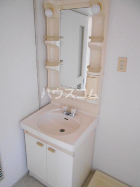 松栄マンション 101号室の洗面所