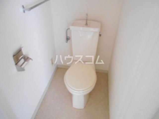 松栄マンション 101号室のトイレ