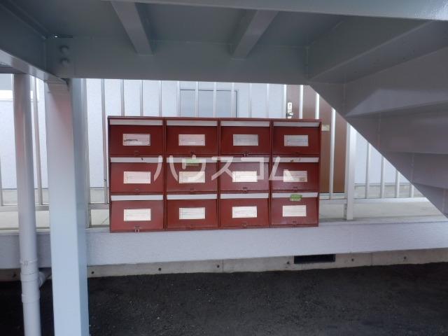 ハイツMO C-2号室の玄関