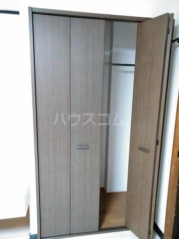 コーポ・ユトリロ 203号室の収納