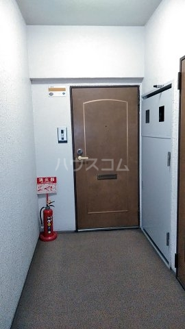 フェリーチェ本八幡 407号室の玄関