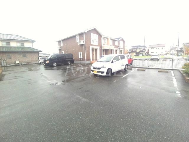 Bonheurの駐車場